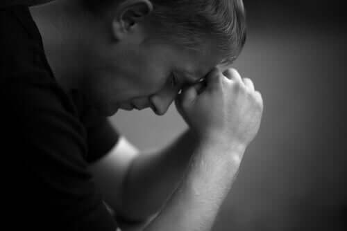 Erkekler ve Erkek Çocuklarında Cinsel İstismar Yaraları