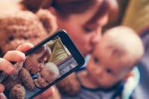 Sharenting: Çocuğunuzu Paylaşma Riskleri