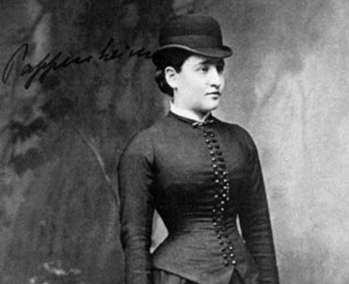 Anna O. İlk önce Josef Breuer'in hastası olmuştur.