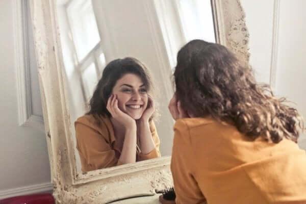 Benlik Saygısı Geliştirmek: Nasıl Mümkün?