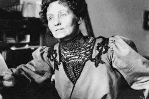 Emmeline Pankhurst'ün bir fotoğrafı.
