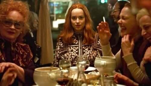 Yemek sahnesi Suspiria'nın görsel şölen sunan,psikanalitik bir sahnesidir.