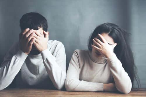 İlişkilerde Yıkıcı Davranışlar