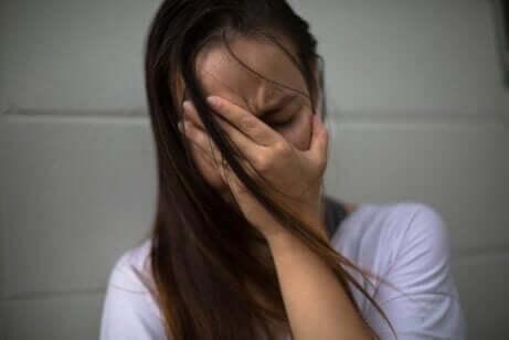 Arzy deneyi: üzgün kadın