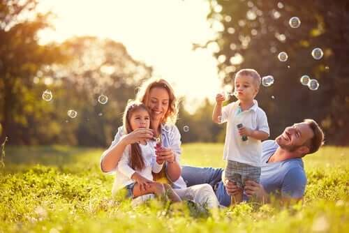 Çocuk Yetiştirme ve Eğitim İçin Daha Güzel Bir Yol
