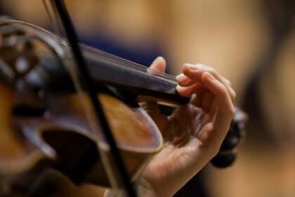 Metroda çalınan keman Stradivarius marka idi ve dünyaca ünlü bir keman virtüözü çalıyordu.