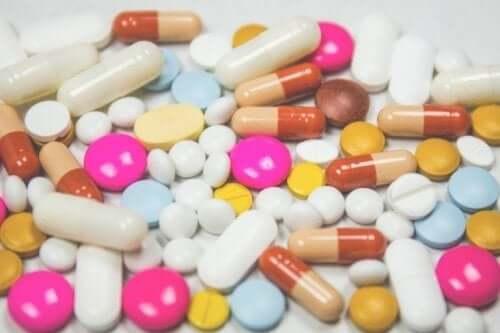 Antidepresanlar da psikoaktif ilaçlar gibi kilo alımına neden olabilir.