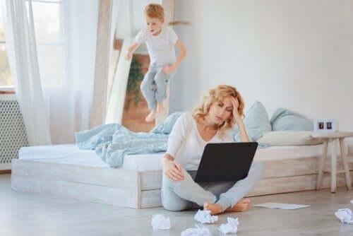 Evde Çocuklar Varken Evden Çalışmak