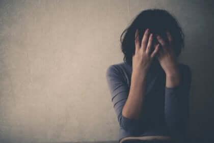 Travmalar, beynimizin deneyimlerimizi olduğundan farklı şekilde depolamasına neden olabilir.
