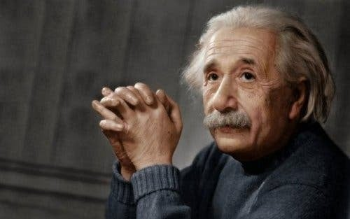 Albert Einstein' da yüksek fonksiyonlu otizme sahipti.
