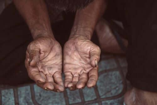 yoksullukta sosyal hizmetlerin rolü