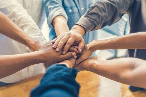 Grup bağlılığı ve birliktelik
