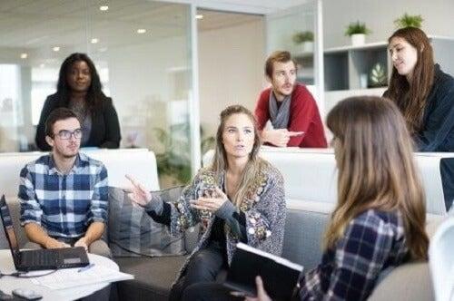 İş Yerinde Kaçınılması Gereken Dört Negatif Tutum