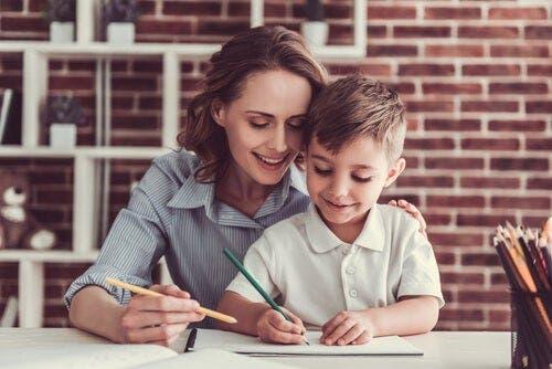 Çocuklarınız zorluklarla karşılaştıklarında onlara yardımcı olun ancak eylemi siz yapmayın.