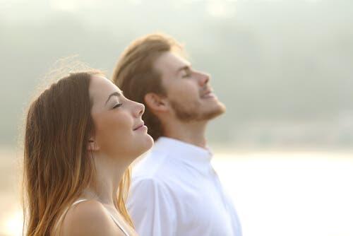 Nefes farkındalık egzersizleri bedeninizde olumlu değişiklikler yaratır.