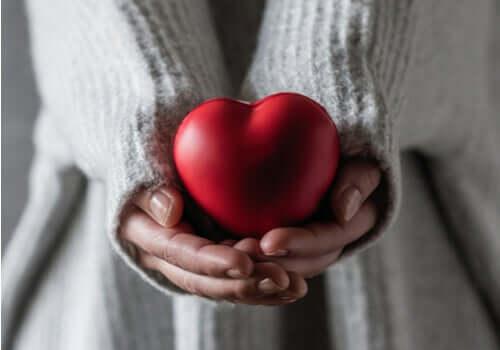 Öz-şefkat, kalbinizi kendinize açmaktır