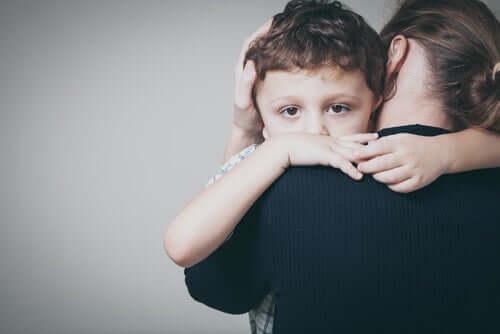 Bakım verenle olan ilişkinizin sağlığı romanik ilişkilerinizin sağlığını etkileyecektir.