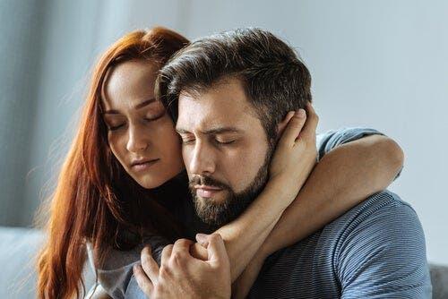 Duygularınızı saklamamak ilişkinizi olumlu etkiler.