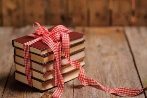 Birini Seviyorsanız Ona Bir Kitap Verin
