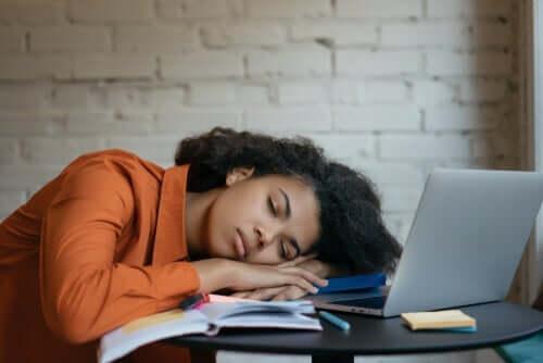 Aşırı Yorgunluk (Hipersomni)