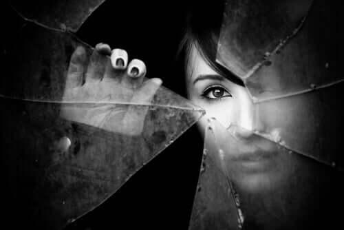Bilinmezlik Korkusu: Bu Korku Nasıl Çözümlenir?