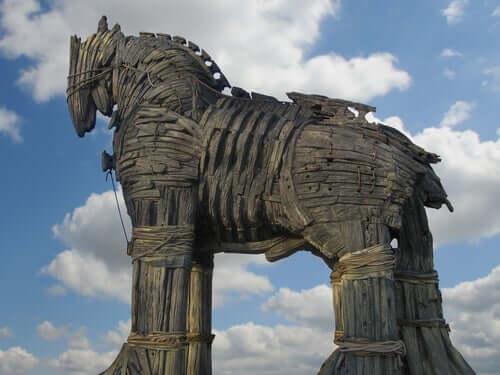 Odysseus efsanesi ve truva atı