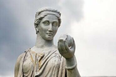 Olimpos Dağının Baş Tanrıçası Hera Efsanesi