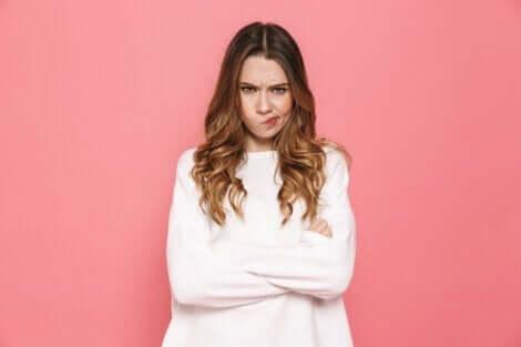 öfkelenememe sorunu: siniri bozulmuş bir kadın