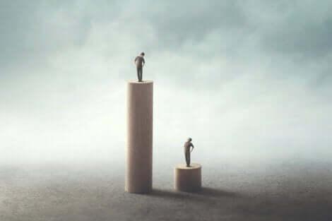 nesil teorisi: farklı konumlarda iki insan