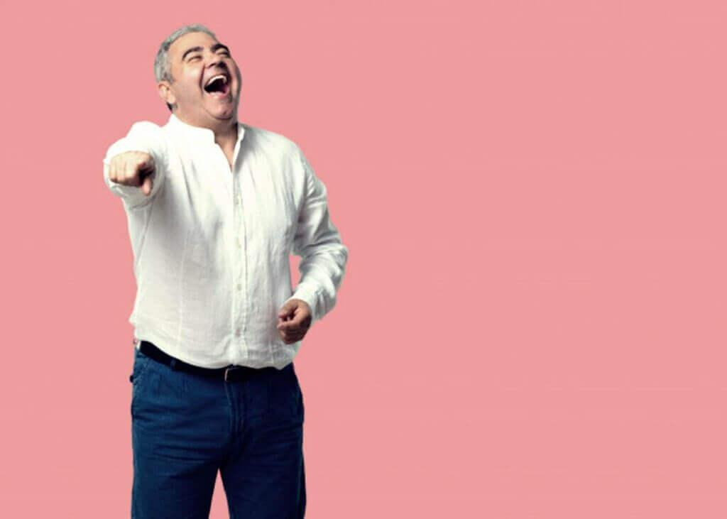Pick hastalığı sebepsiz gülmelere neden olabiliyor.