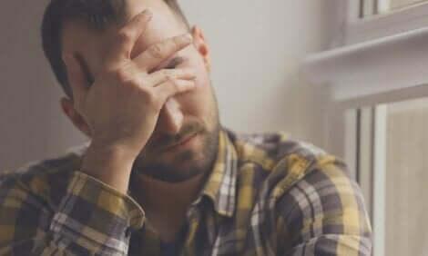 stres yaşayan adam