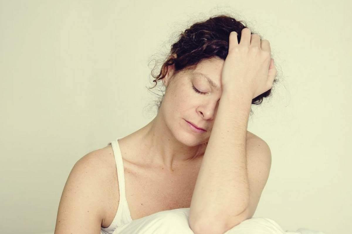 yorgun bir kadın