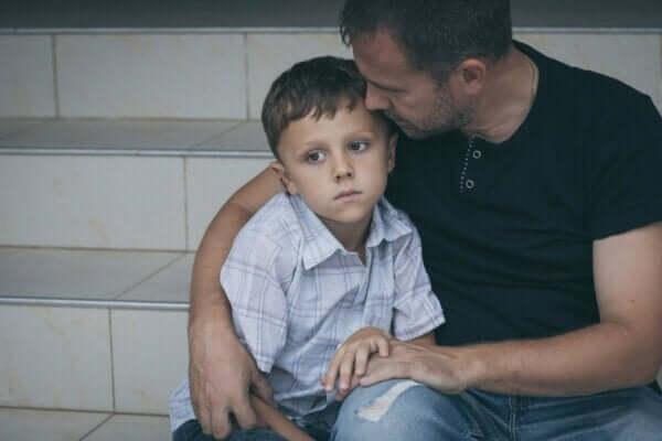 Psikolojik şiddet yöntemleri arasında çocuklara yönelik olanlar da var.