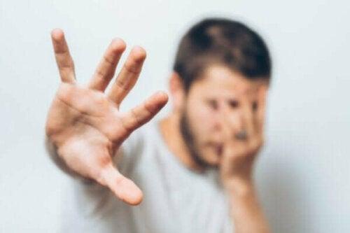 Mowrer'ın İki Faktör Teorisi: Korkularınız Böyle Çalışır