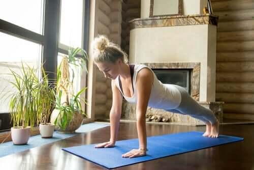 Evde Yoga Yapmak İçin 5 İpucu