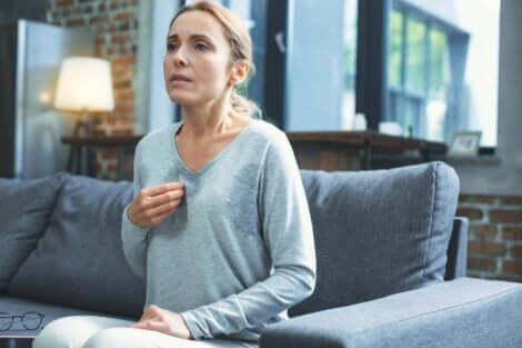 Sıcak basması durumu menopozda en yaygın görülen hallerden biri.