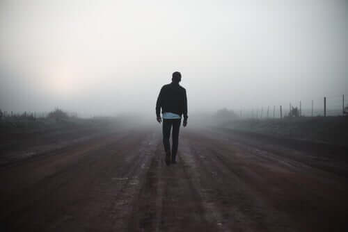 yürüyen adam
