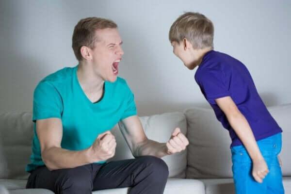 Çocuğa bağırmak bir sorunu çözmez.