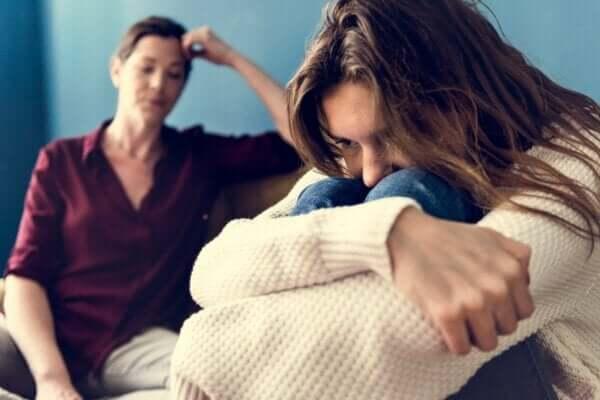 Sık çatışma yaşanması genç kızları nasıl etkiler?