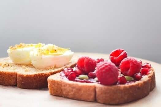 Kahvaltı ve yumurta
