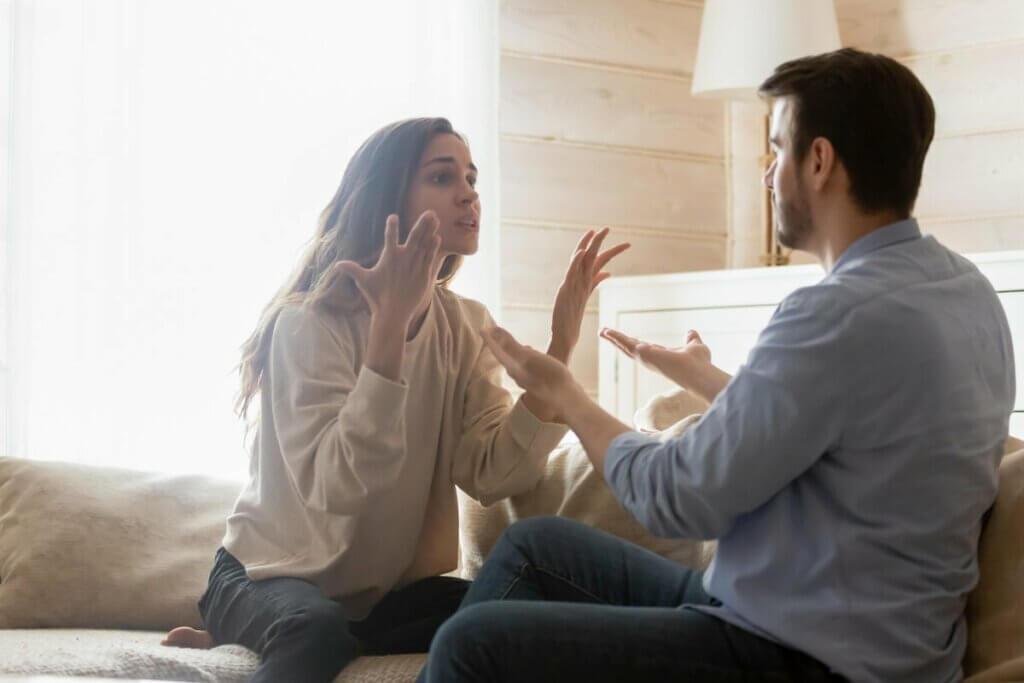 evli çift tartışıyor