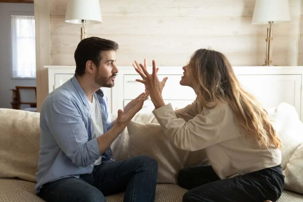 Çiftler Arasında Olumsuz Etkileşim