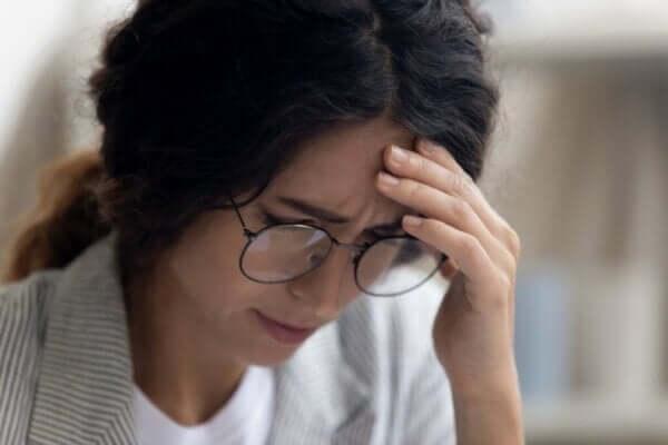 İşyerinde Depresyon: Belirtiler, Nedenler ve Tedavi