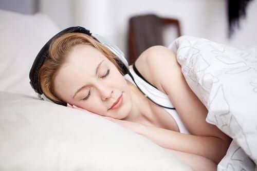 Beyaz Gürültü Daha İyi Uyumanıza Yardımcı Olur