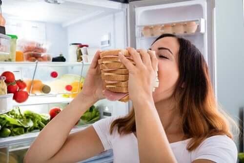 Stresli olduğunuzda tost mu yiyorsunuz?