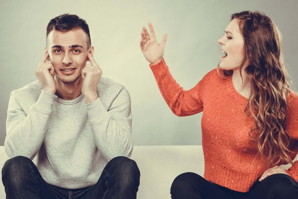 bağıran kadın, dinlemeyen erkek