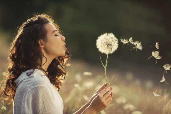 psikolojik sağlık, mutlu kadın