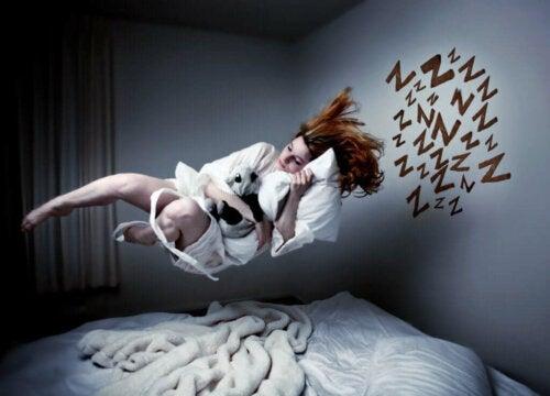 rüyasında uçan kadın