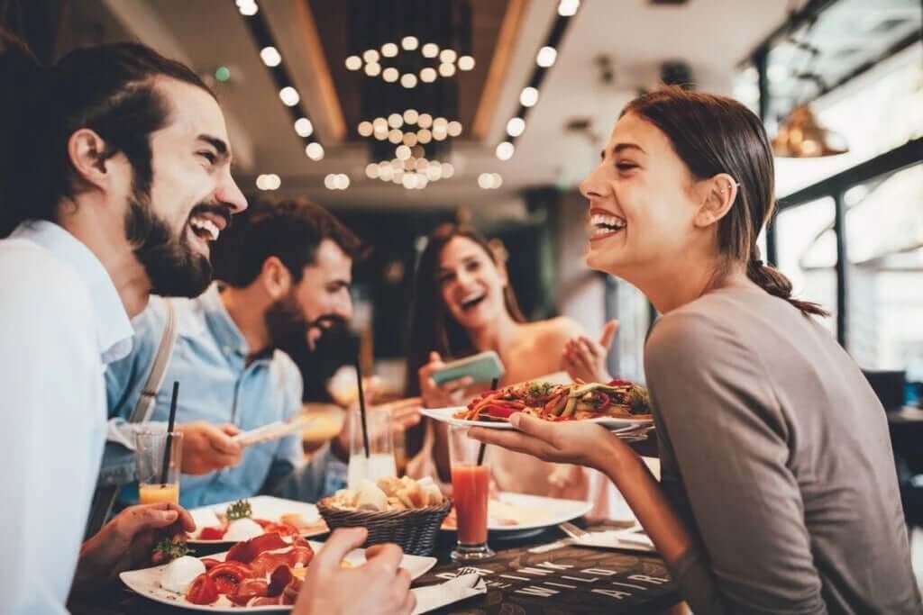 Müzik Yemek Yeme Şeklinizi Etkiler