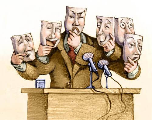 çeşitli suratlar takınan konuşmacı